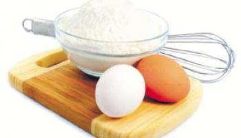 eggs and cooking tools